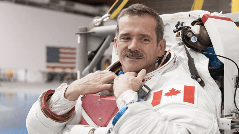 Chris Hadfield gives 46 reasons 2016 was a good year in viral Facebook post