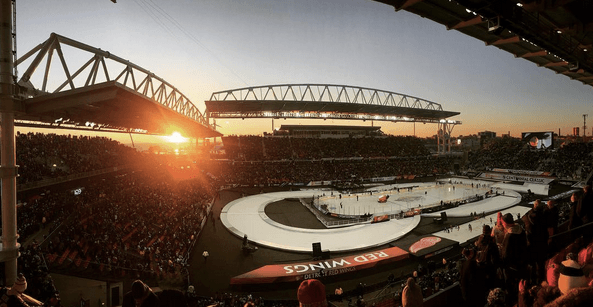 15 amazing photos from the Toronto Maple Leafs' Centennial Classic