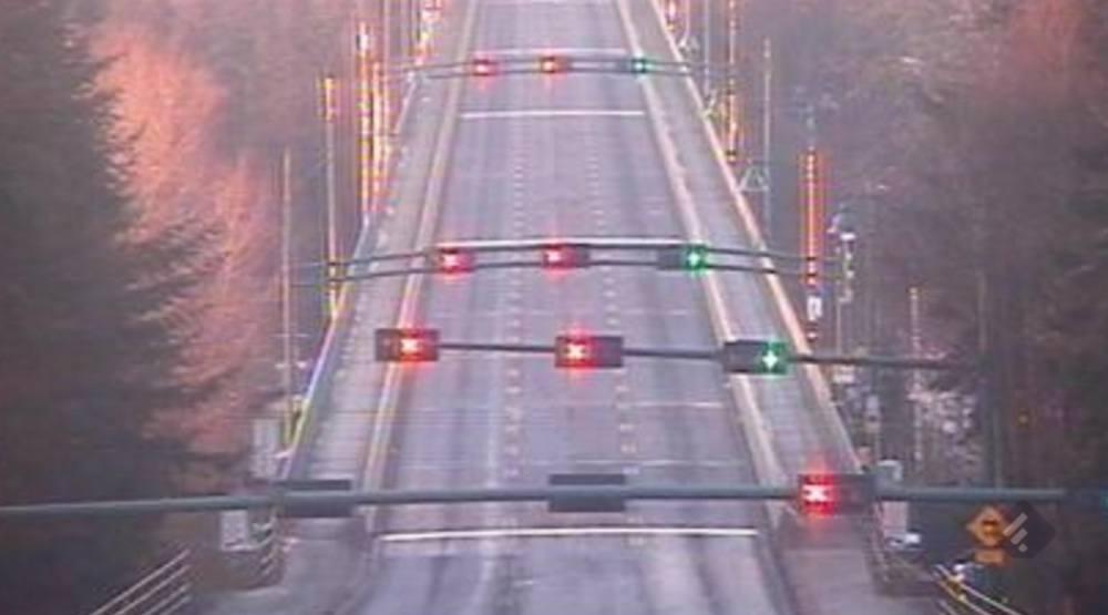 Lions gate bridge closed