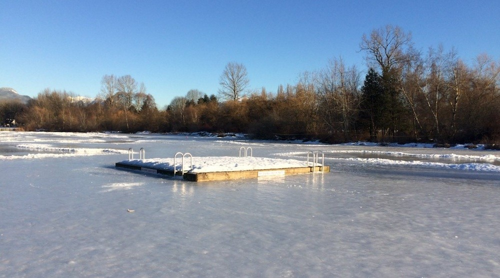 Trout Lake reopens for skating with thick ice layer