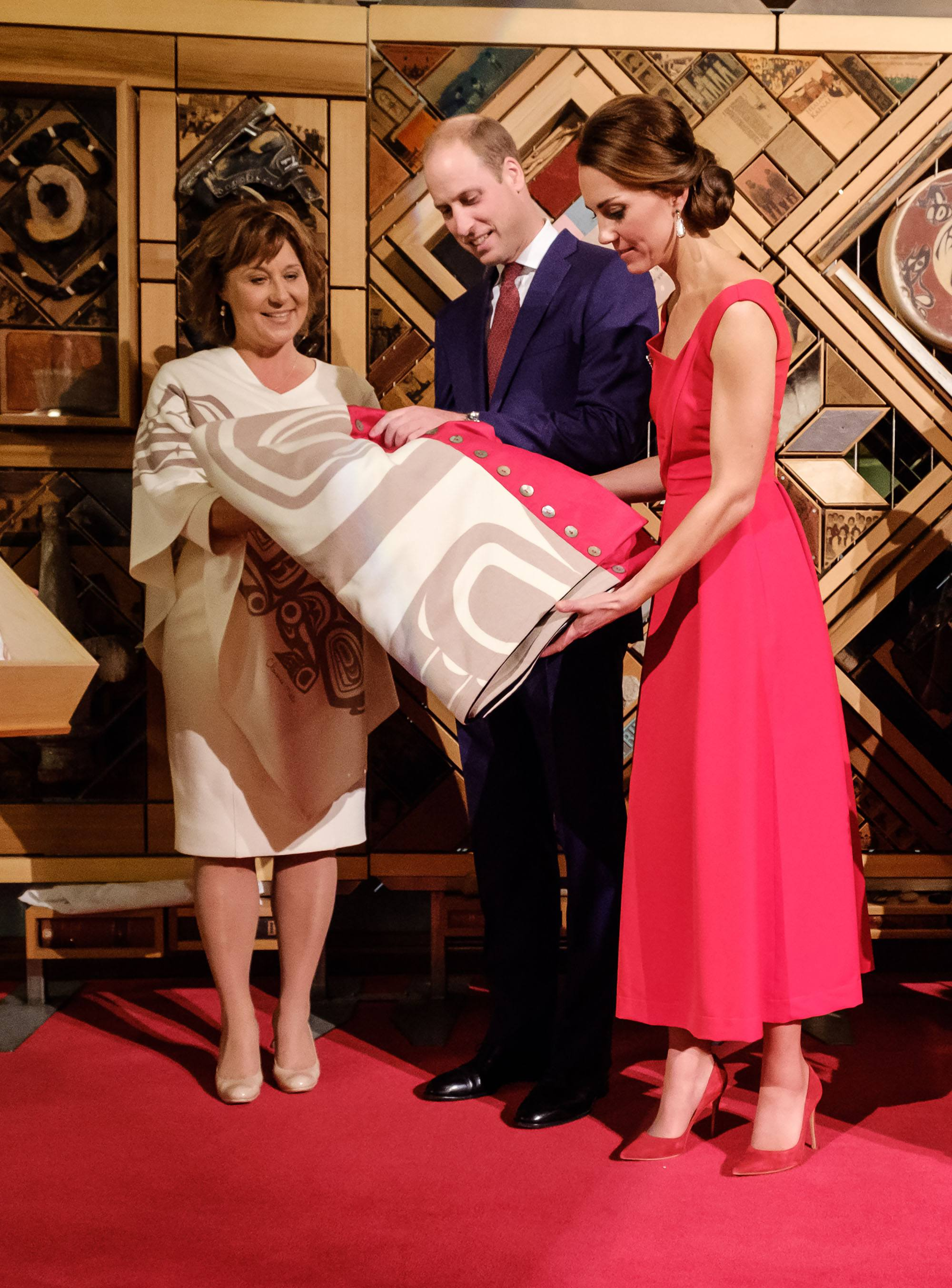 Prince William and the Duchess of Cambridge receive a bear blanket during the royal tour of BC in 2016 (Province of BC)