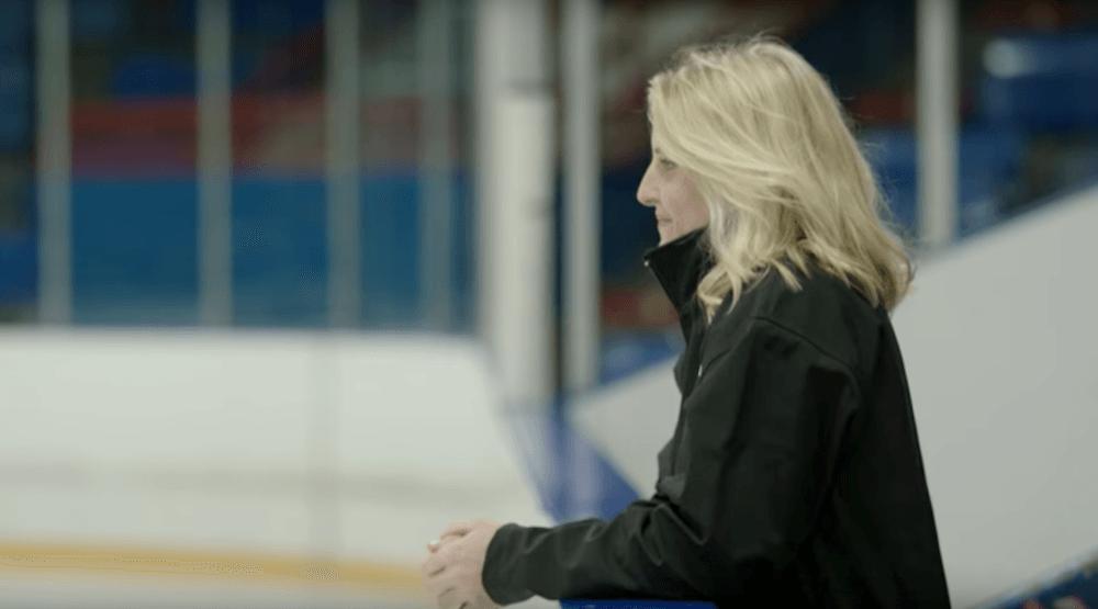 Hayley Wickenheiser says goodbye to hockey (VIDEO)