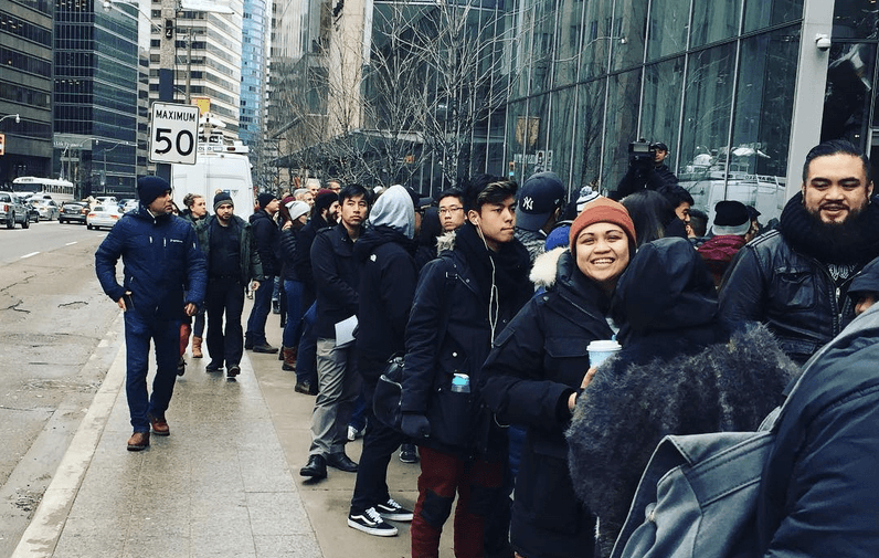 13 photos and videos of the insane line up at Shake Shack's pop-up in Toronto