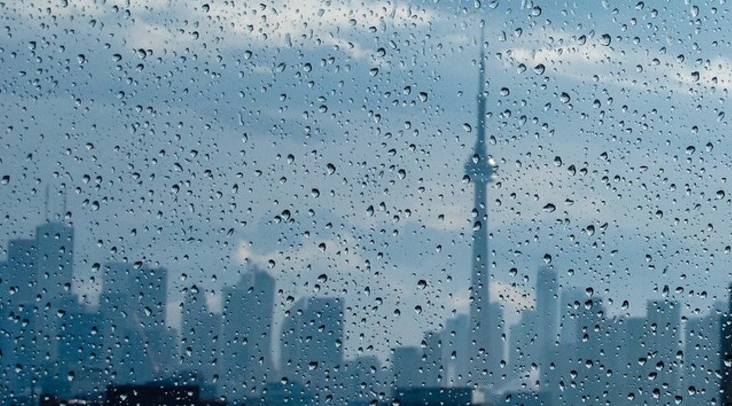 Power outages and roads closed in Toronto due to heavy rain fall