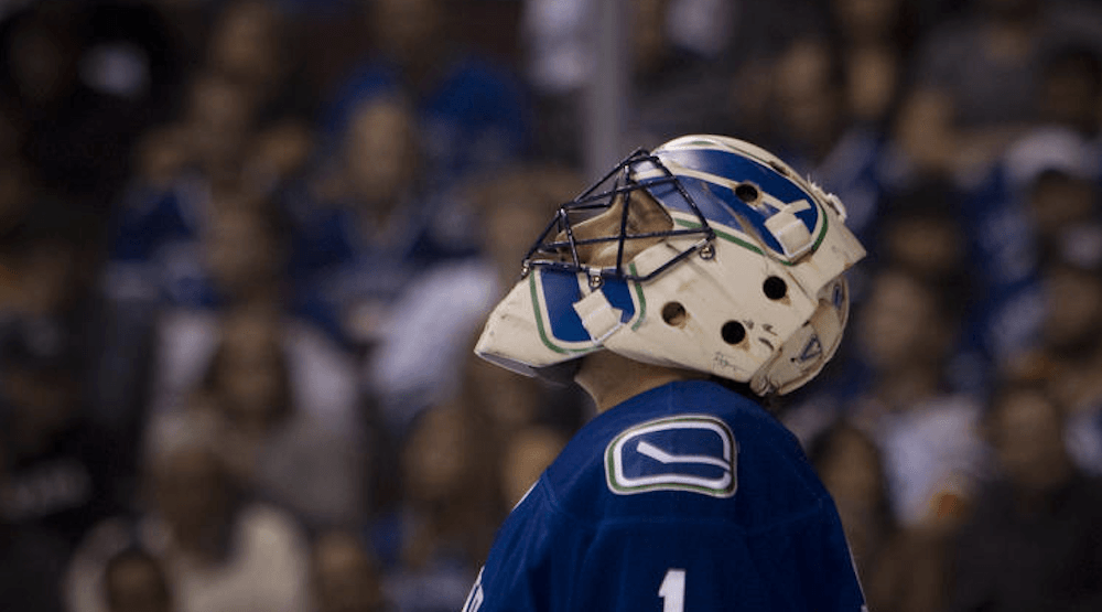 Should The Canucks Retire Roberto Luongo S Jersey One Day Offside