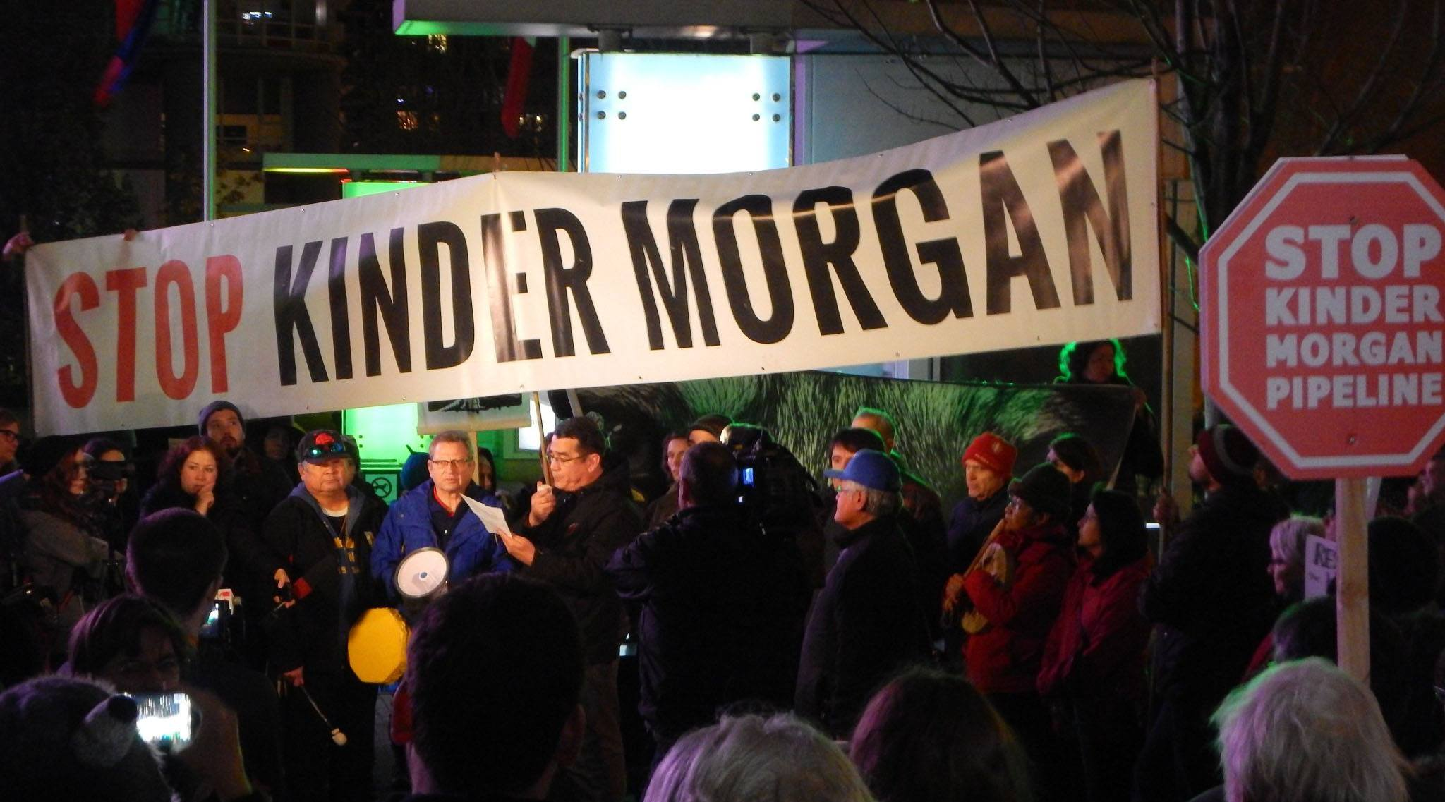 Stop kinder morgan protesters at a previous rally himy syed twitter