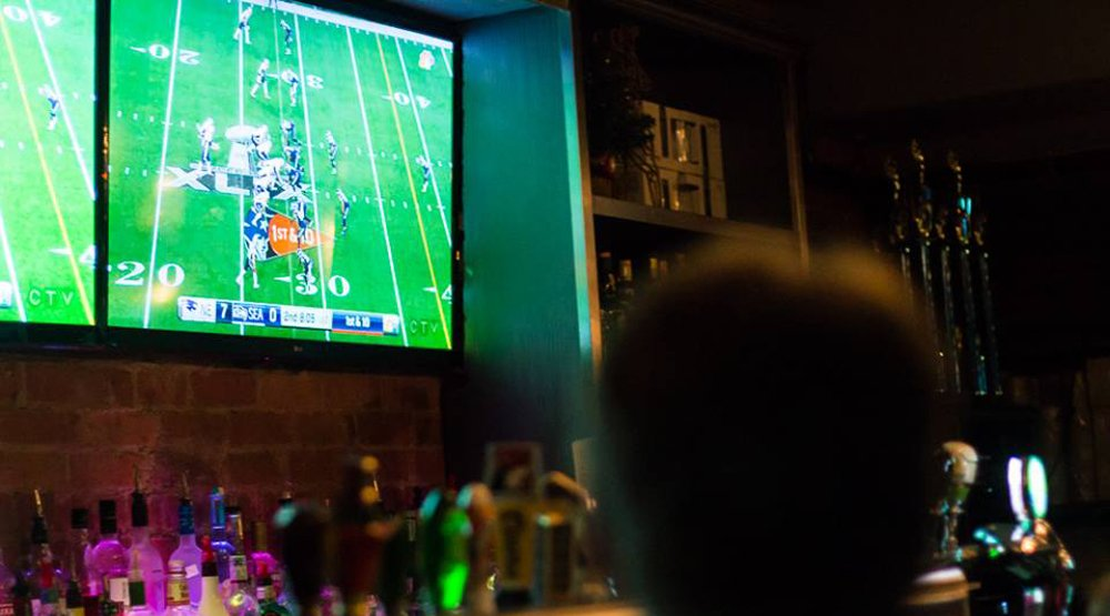 21 sports bars and pubs where you can watch the Super Bowl in Toronto