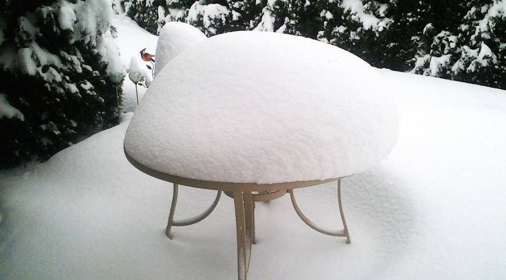 Vancouver snow snowfall pile
