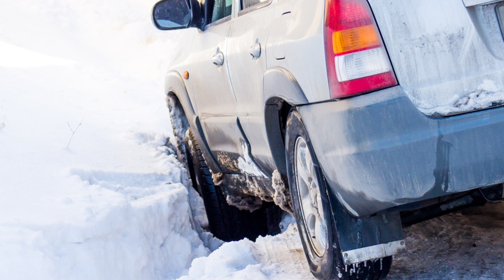 Snowfall across BC leads to over 9,000 calls to ICBC since Friday