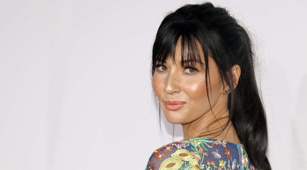 Olivia munn olivia munn at the 2016 american music awards held at the microsoft theater in los angeles tinseltownshutterstock