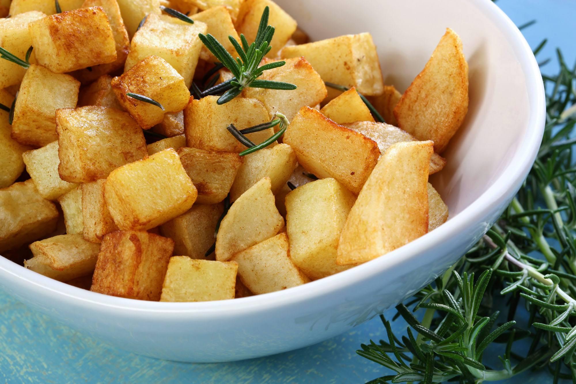 Potato cubes hash browns (Robyn Mackenzie/Shutterstock)