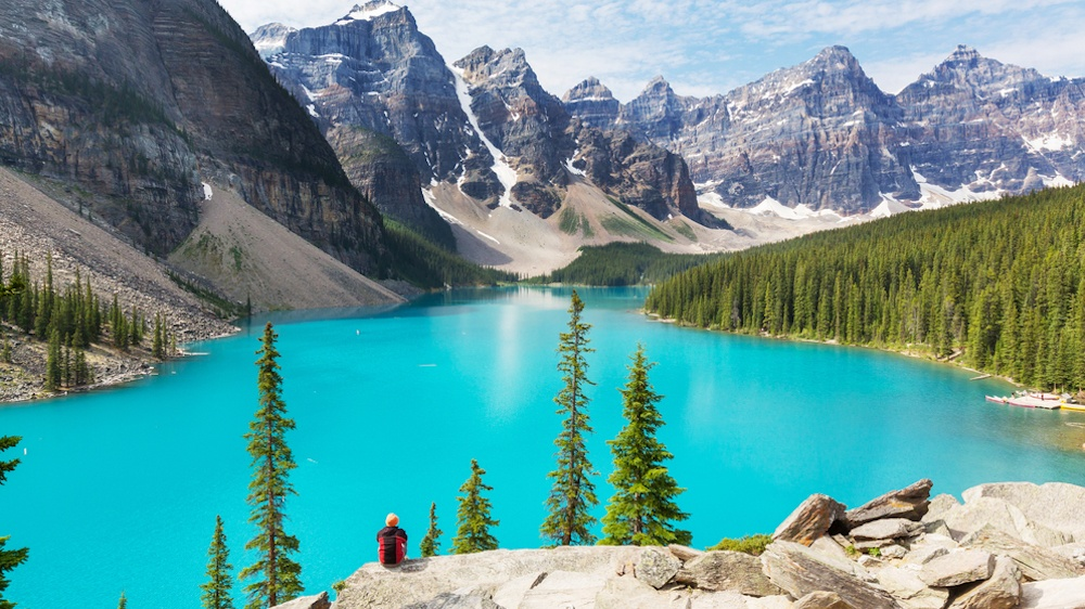2016 was the second-biggest year ever in Canadian tourism