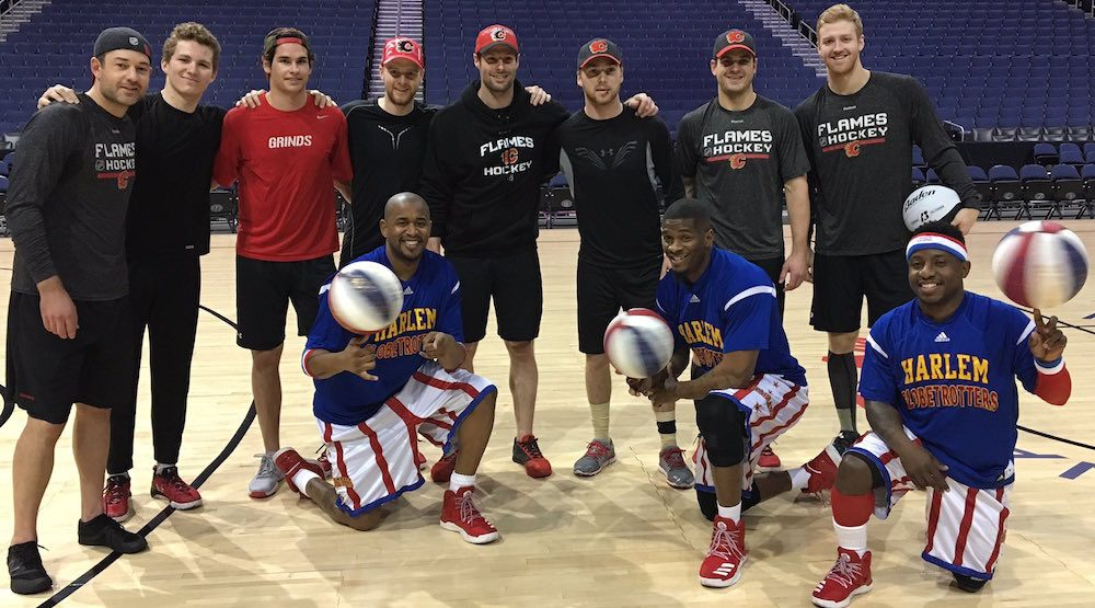 Flames' Brian Elliott beats Harlem Globetrotters in basketball (VIDEO)
