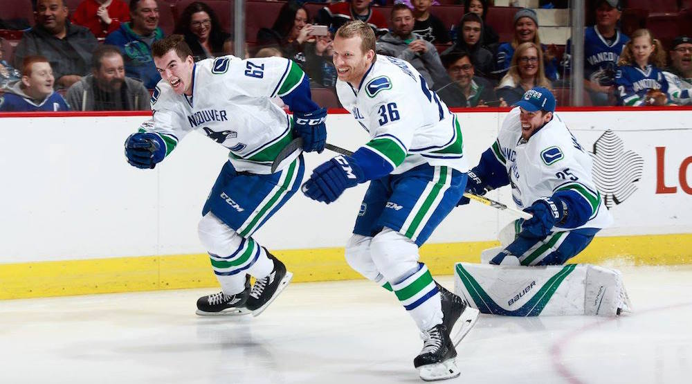 Markstrom injured at SuperSkills, Canucks recall 2 more players from Utica