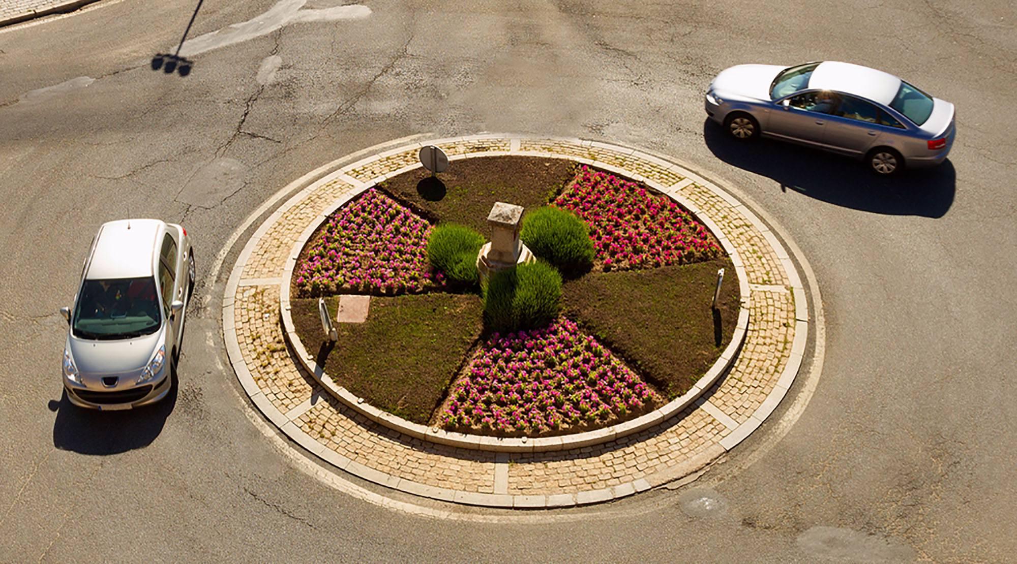 Traffic circle roundabout (nacroba/Shutterstock)
