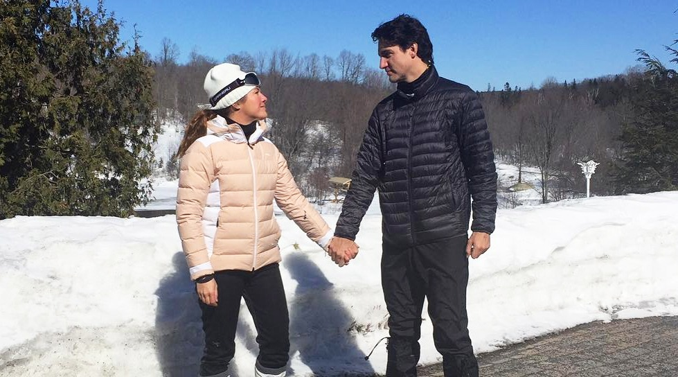 Sophie gre%cc%81goire trudeau and justin trudeau hold hands for international womens day sophie gre%cc%81goire trudeau instagram