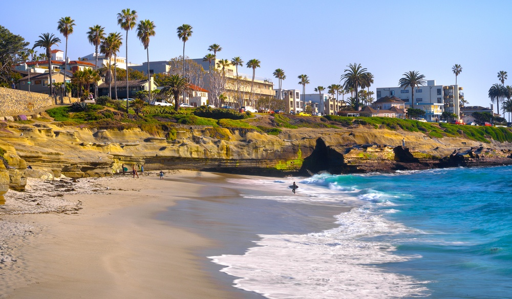 You can fly from Toronto to San Diego in May for $350 return