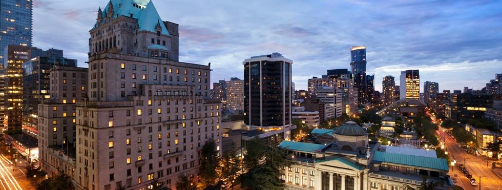 Fairmont Hotel Vancouver outside
