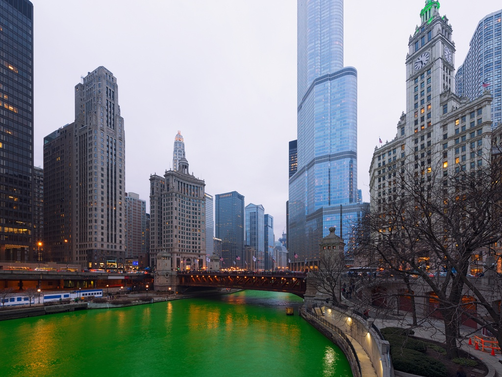 Green Chicago River (Tam Patra/Shutterstock)