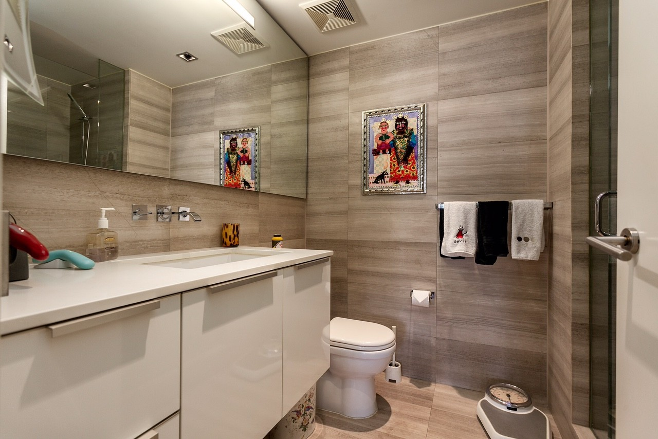 One of three washrooms in the apartment(Angell Hasman & Associates (Eric Christiansen) Realty Ltd)