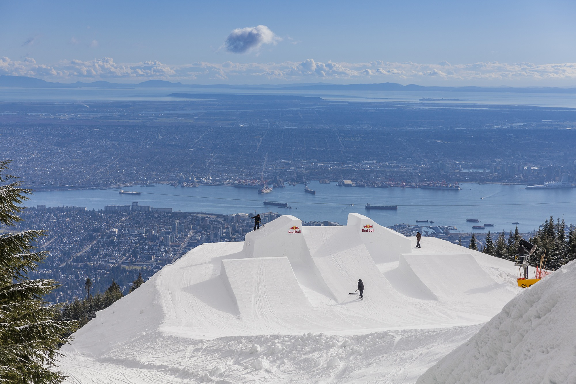 Venue of Red Bull Uncorked on Grouse Mountain in Vancouver, Canada on February 23, 2017 (Jussi Grznar/Red Bull)
