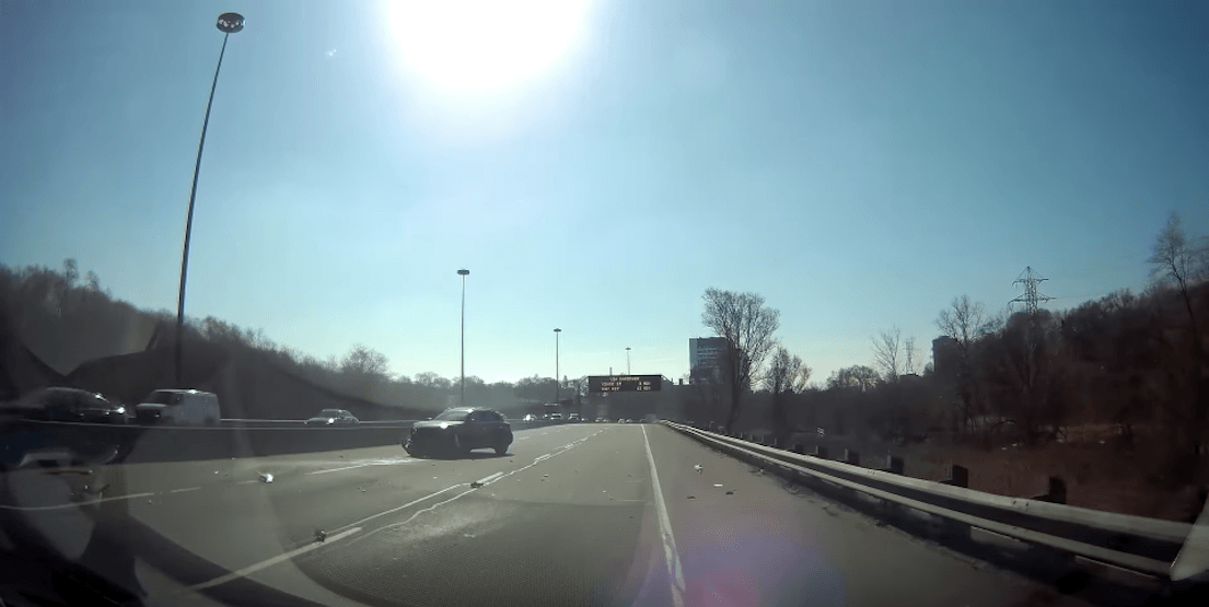 A dashcam catches car spinning out of control on the Don Valley Parkway (VIDEO)