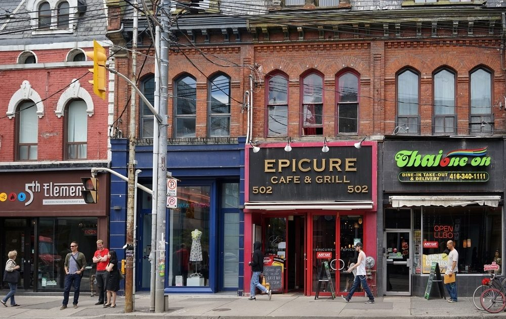 The City wants every Toronto restaurant to be equipped with epipens