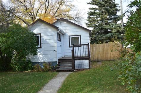 1133 Ave F North, Saskatoon, SK (Tedd Epp)