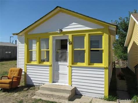 61 1st Avenue W, Shaunavon, SK (Liz Spetz/Point2 Homes)