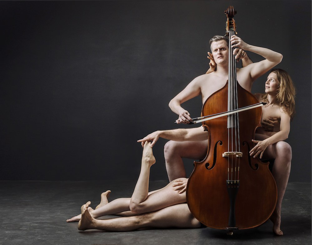 nude-teen-female-naked-musicians