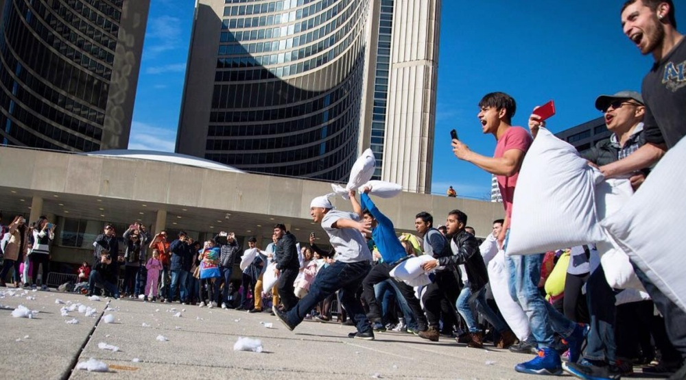 15 photos from the massive pillow fight in Toronto this weekend