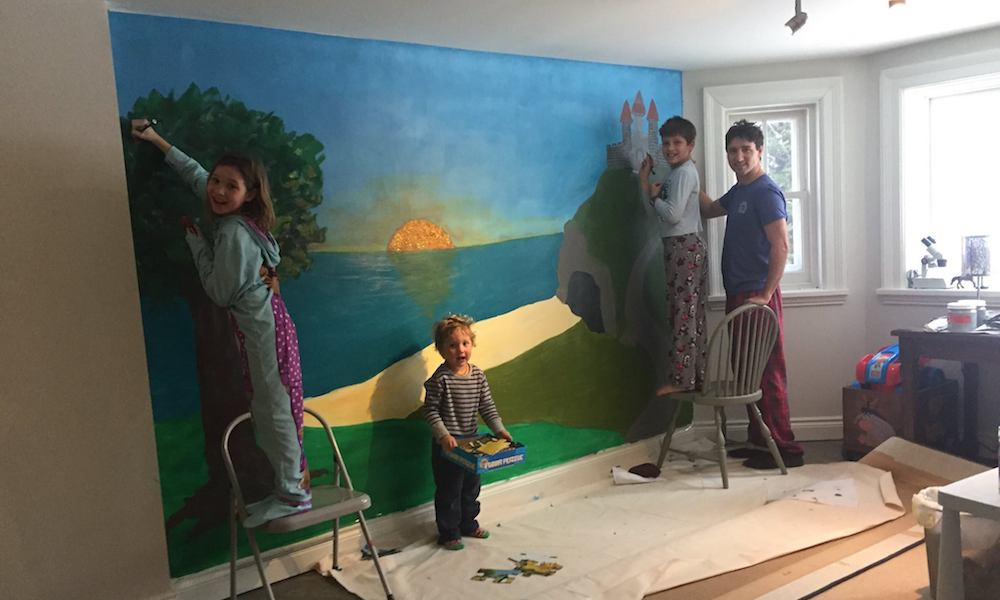 Sophie Grégoire shares candid photo of Trudeau family painting in pajamas