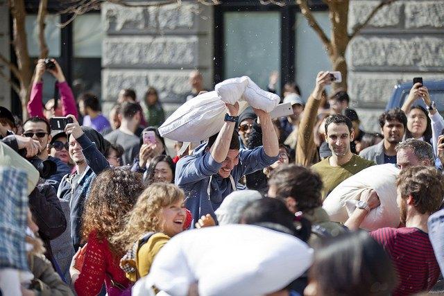 International Pillow Fight Day in Vancouver 2017 (GoToVan / Flickr)