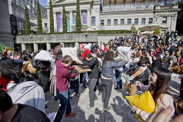 "<a href=""https://www.flickr.com/photos/gotovan/with/33658127601/""> International Pillow Fight Day in Vancouver 2017 (GoToVan / Flickr)</a>"