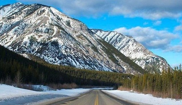 Your ultimate adventure guide to explore the Alaska Highway