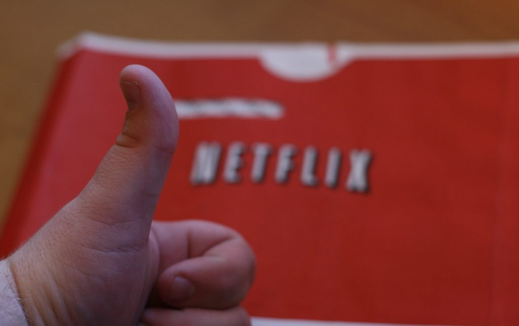 Netflix is replacing its 5-star rating system with simple thumbs up, thumbs down option