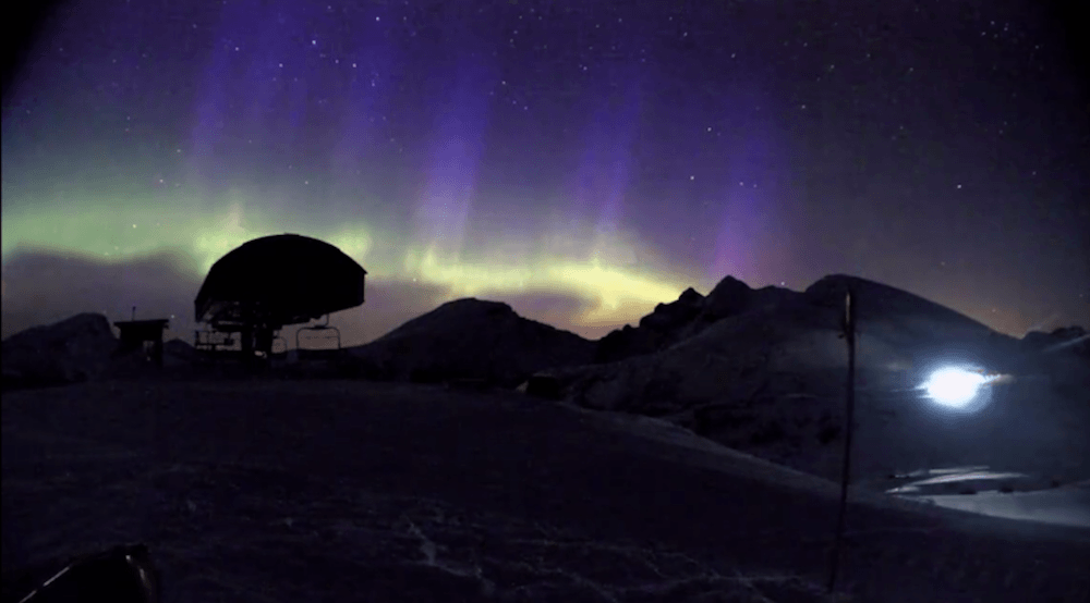 Stunning time-lapse footage of the Northern Lights above the Rockies (VIDEO)