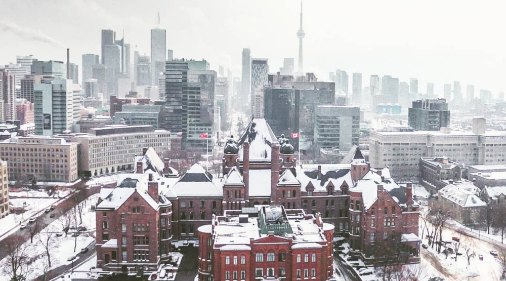 Toronto spring snow