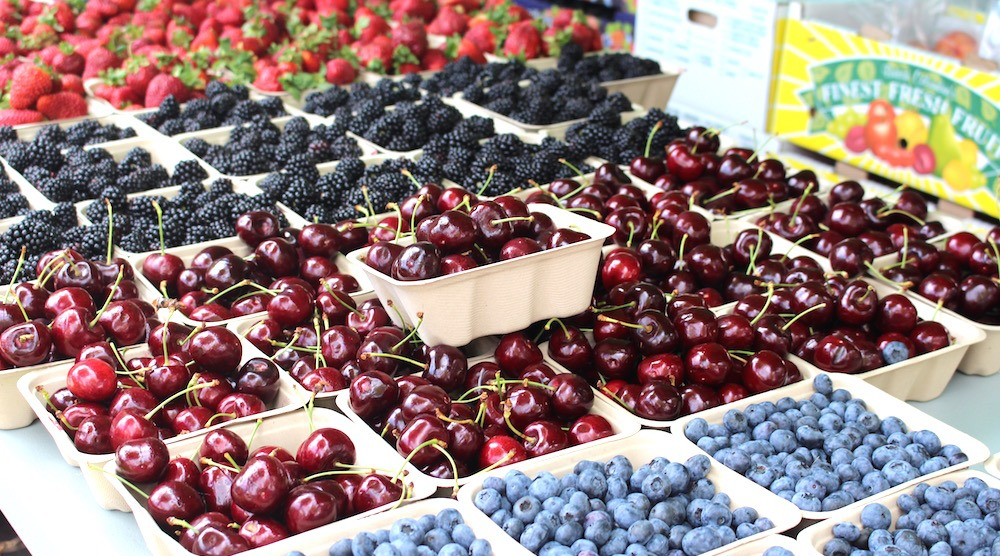Fruit farmers market july 2016