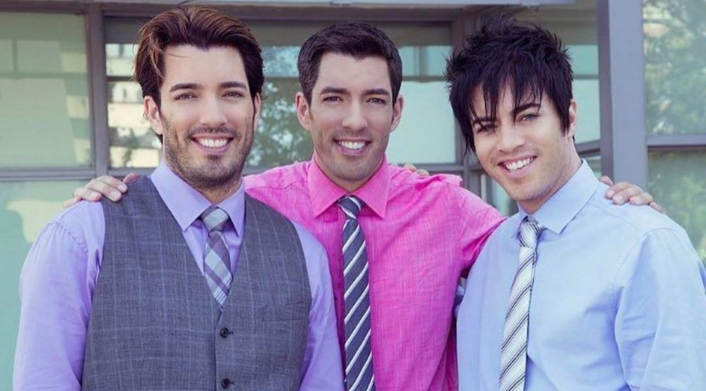 "The Internet is losing it over the third ""emo"" Property Brother (PHOTOS)"