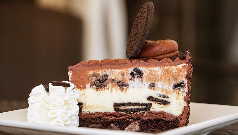 The-Cheesecake-Factory-Toronto