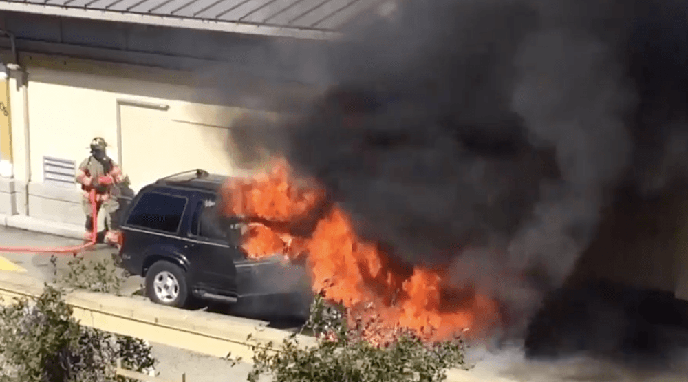 Fire at McDonald's drive-thru in West Vancouver (VIDEO)