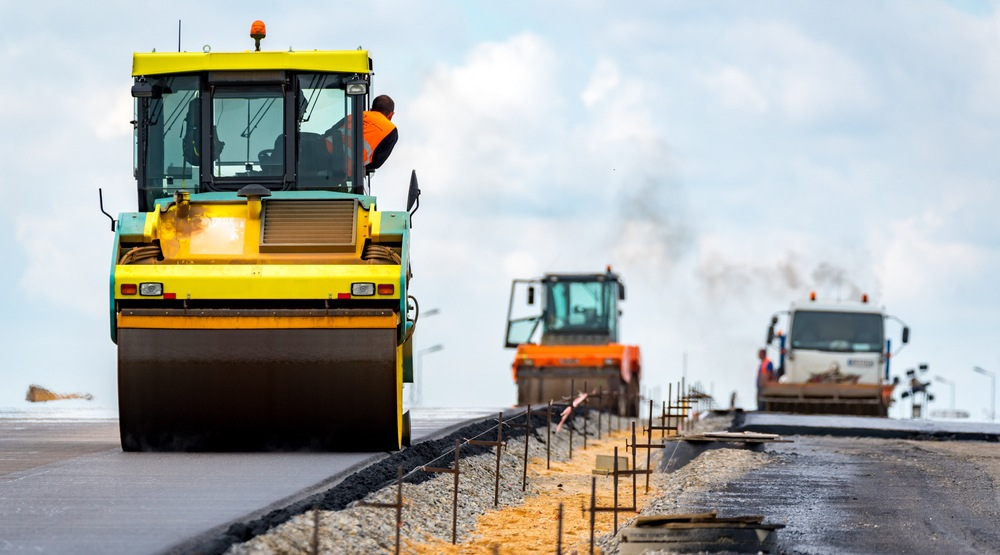 Alberta paved nearly 1,500 kilometres of highway this year