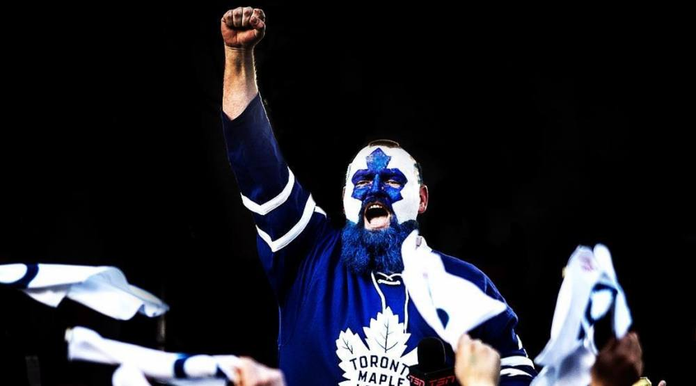 15 photos of Leafs playoff insanity at Maple Leaf Square