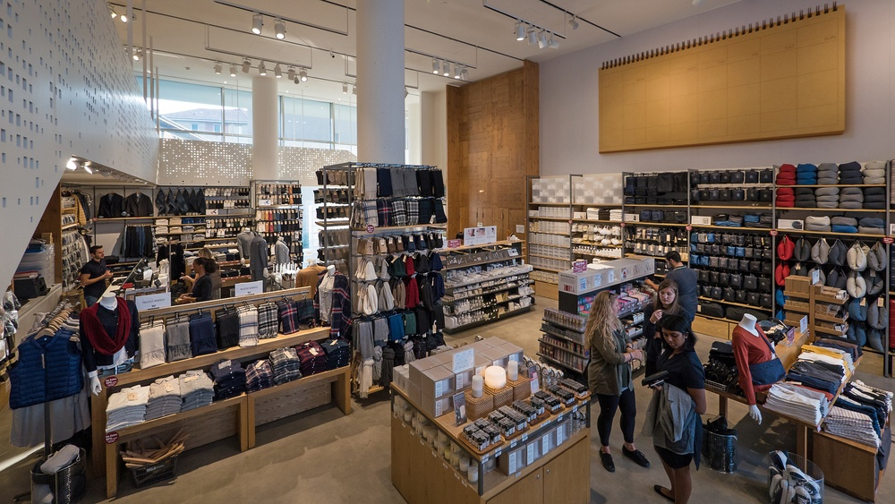 muji to replace gap store on robson street this year daily hive vancouver. Black Bedroom Furniture Sets. Home Design Ideas