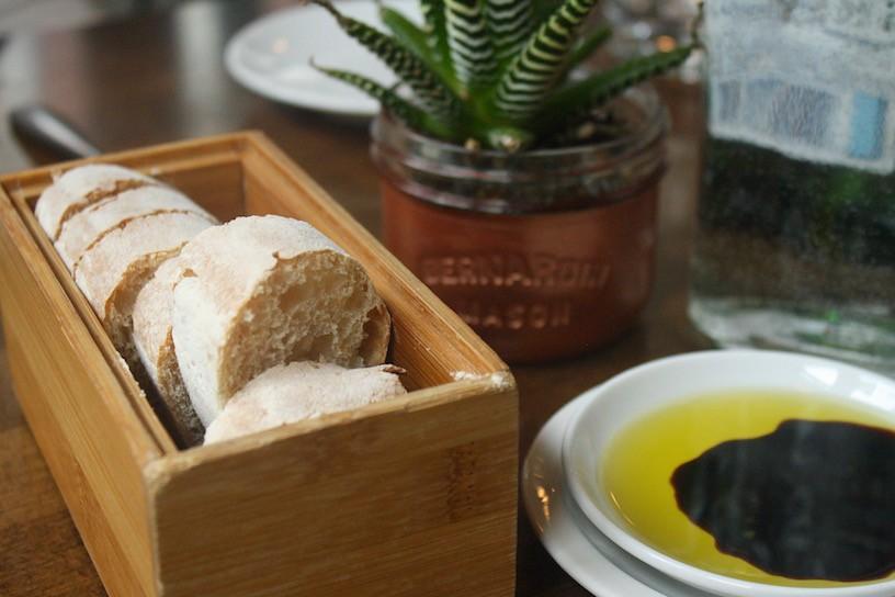 La Pentola house bread