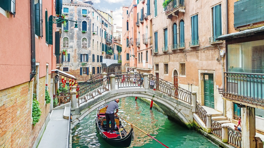 You can fly from Toronto to Venice, Italy for under $600 return next month
