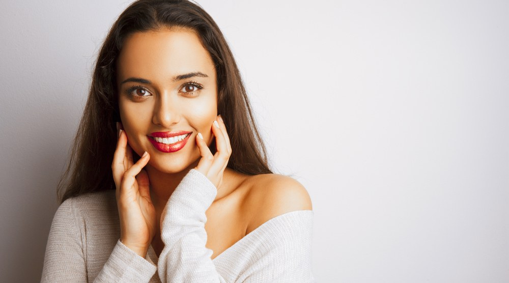 9 tips for glowing skin including why you shouldn't use towelette wipes before bed