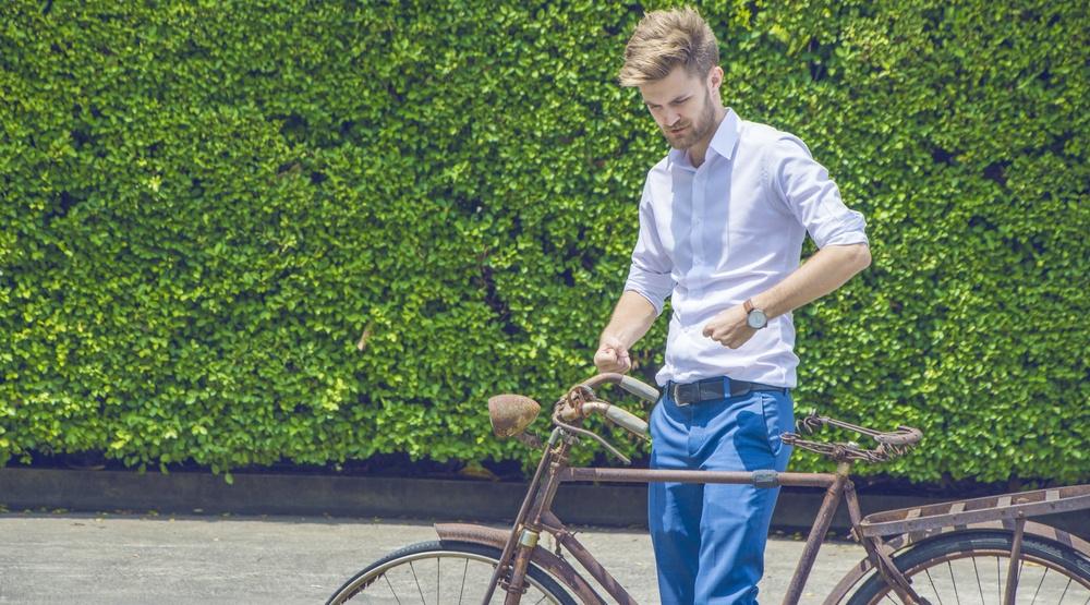Hipster cyclist bike
