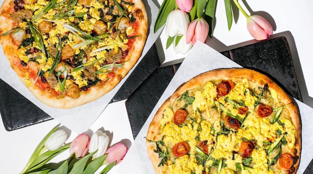Breakfast pizza3 tater tots pizza